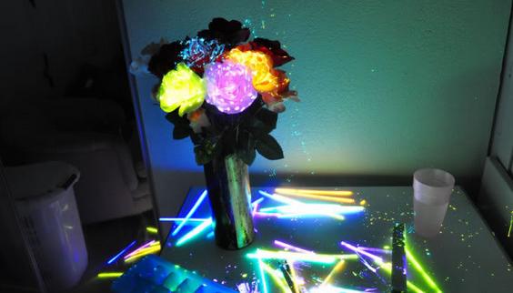 戴瑞珠宝求婚创意-diy手工制作夜光玫瑰花